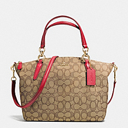 COACH SMALL KELSEY SATCHEL IN SIGNATURE - IMITATION GOLD/KHAKI/CLASSIC RED - F36625
