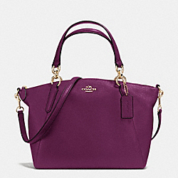 COACH SMALL KELSEY SATCHEL IN PEBBLE LEATHER - IMITATION GOLD/PLUM - F36675