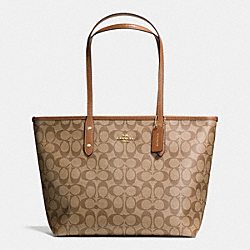COACH CITY ZIP TOTE IN SIGNATURE - LIGHT GOLD/KHAKI/SADDLE - F36876