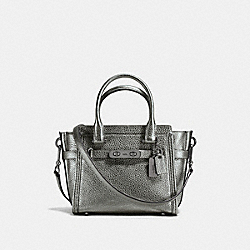 COACH COACH SWAGGER 21 CARRYALL IN PEBBLE LEATHER - DARK GUNMETAL/GUNMETAL - F37444