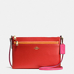 EAST/WEST CROSSBODY WITH POP UP POUCH IN COLORBLOCK LEATHER - f38122 - IMITATION GOLD/CARMINE MULTI