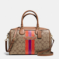 COACH COACH VARSITY STRIPE BENNETT SATCHEL IN SIGNATURE - IMITATION GOLD/KHAKI/WATERMELON - F38269