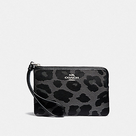 COACH CORNER ZIP WRISTLET WITH LEOPARD PRINT - GREY/SILVER - F39103
