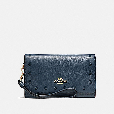COACH FLAP PHONE WALLET WITH LACQUER RIVETS - DENIM/LIGHT GOLD - F39180