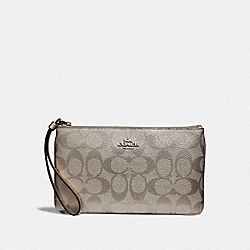 LARGE WRISTLET IN SIGNATURE CANVAS - PLATINUM/SILVER - COACH F39667