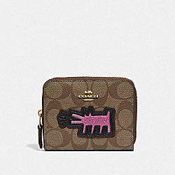 KEITH HARING SMALL ZIP AROUND WALLET IN SIGNATURE CANVAS WITH PATCHES - KHAKI MULTI /IMITATION GOLD - COACH F39996