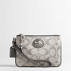 COACH SUTTON SIGNATURE WRISTLET - ONE COLOR - F43996
