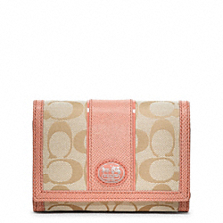 COACH SUTTON SIGNATURE COMPACT CLUTCH - ONE COLOR - F47494