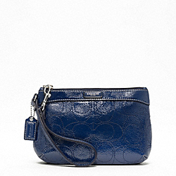 SIGNATURE STRIPE STITCHED PATENT MEDIUM WRISTLET
