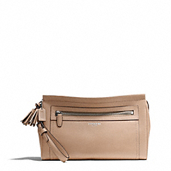 COACH LARGE CLUTCH IN LEATHER - ONE COLOR - F48021