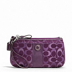 SIGNATURE STRIPE 3 COLOR SIGNATURE LARGE WRISTLET