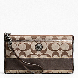 SIGNATURE STRIPE ZIPPY WALLET