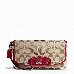 SIGNATURE LARGE FLAP WRISTLET