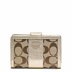 COACH SIGNATURE MEDIUM ZIP WALLET - ONE COLOR - F48450