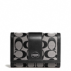 COACH SIGNATURE COMPACT CLUTCH - ONE COLOR - F48465