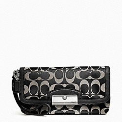 COACH KRISTIN SIGNATURE SATEEN LARGE FLAP WRISTLET - SILVER/BLACK/WHITE/BLACK - F48980