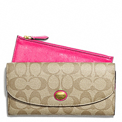 PEYTON SLIM ENVELOPE WITH POUCH IN SIGNATURE FABRIC - BRASS/LT KHAKI/POMEGRANATE - COACH F49154