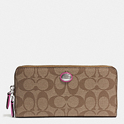 PEYTON SIGNATURE ACCORDION ZIP WALLET - f49163 - SILVER/KHAKI/FUCHSIA