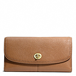 COACH PARK LEATHER CHECKBOOK - BRASS/BRITISH TAN - F49164