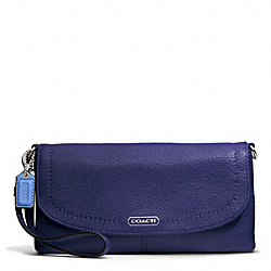 COACH PARK LEATHER LARGE FLAP WRISTLET - SILVER/INDIGO - F49177