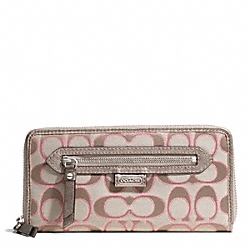 COACH DAISY OUTLINE SIGNATURE METALLIC ACCORDION ZIP - ONE COLOR - F49469