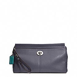 COACH PARK LEATHER LARGE CLUTCH - ONE COLOR - F49481