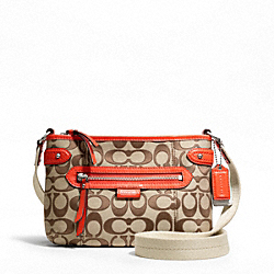 COACH DAISY OUTLINE SIGNATURE SWINGPACK - ONE COLOR - F49553