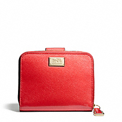 MADISON MEDIUM ZIP AROUND WALLET IN PATENT LEATHER - f49607 - 29780