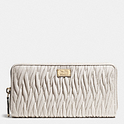 COACH ACCORDION ZIP WALLET IN GATHERED TWIST LEATHER - IMITATION GOLD/CHALK - F49609