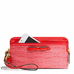 COACH POPPY  SIGNATURE C MINI OXFORD DOUBLE ZIP WALLET - ONE COLOR - F49626