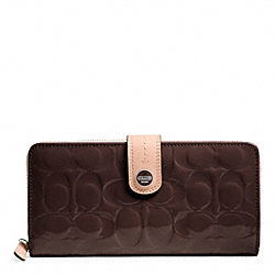 SIGNATURE STRIPE EMBOSSED PATENT ACCORDION ZIP WITH TAB - SILVER/BROWN/TAN - COACH F49825