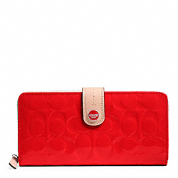 COACH SIGNATURE STRIPE EMBOSSED PATENT ACCORDION ZIP WITH TAB - SILVER/VERMILLION/TAN - F49825