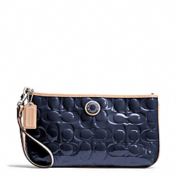 SIGNATURE STRIPE EMBOSSED PATENT LARGE WRISTLET - SILVER/NAVY/TAN - COACH F49827