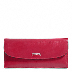 COACH DARCY PATENT LEATHER SOFT WALLET - ONE COLOR - F49876