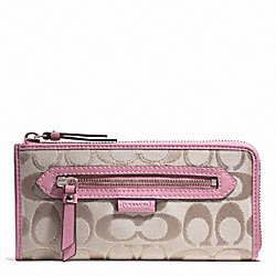 COACH DAISY OUTLINE SIGNATURE METALLIC SLIM ZIP - ONE COLOR - F50113