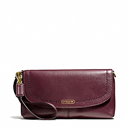 COACH CAMPBELL LEATHER LARGE WRISTLET - BRASS/BORDEAUX - F50183