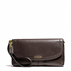 COACH CAMPBELL LEATHER LARGE WRISTLET - ONE COLOR - F50183