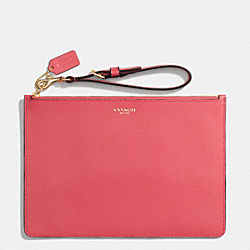 SAFFIANO LEATHER FLAT ZIP CASE - f50372 - LIGHT GOLD/LOGANBERRY