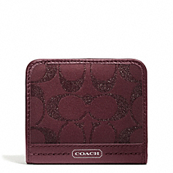 COACH CAMPBELL SIGNATURE METALLIC SMALL WALLET - SILVER/BORDEAUX - F50424