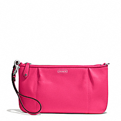 CAMPBELL LEATHER LARGE WRISTLET - f50796 - SILVER/POMEGRANATE