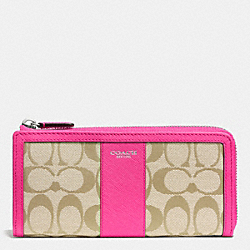 COACH LEGACY SLIM ZIP WALLET IN SIGNATURE FABRIC - SILVER/LIGHT KHAKI/PINK RUBY - F50852
