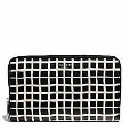 COACH BLEECKER BLACK AND WHITE PRINT COATED CANVAS CONTINENTAL ZIP WALLET - SILVER/BLACK/WHITE - F50870