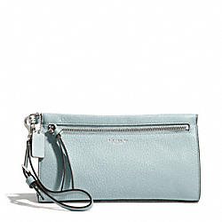 COACH BLEECKER LARGE WRISTLET IN PEBBLE LEATHER - SILVER/SEA MIST - F50959