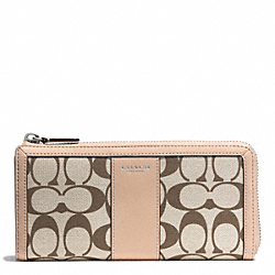 COACH SLIM ZIP WALLET IN PRINTED SIGNATURE - SILVER/LT KHA MADEIRA/VCH - F51053