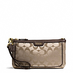 COACH CAMPBELL SIGNATURE LARGE WRISTLET - ONE COLOR - F51111