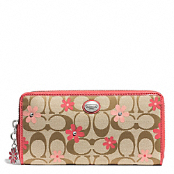COACH DAISY SIGNATURE FLORAL LEATHER ACCORDION ZIP WALLET - ONE COLOR - F51339
