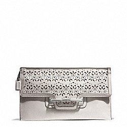 COACH TAYLOR EYELET LEATHER ZIP CLUTCH - SILVER/IVORY - F51385