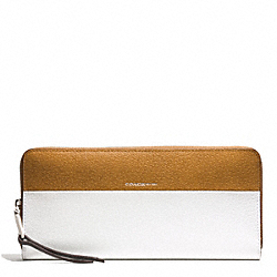 COACH COLORBLOCK RETRO AND BOARSKIN LEATHERS SLIM ACCORDION ZIP WALLET - UE/NAVY TAN/WHITE - F51800