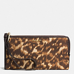 COACH MADISON ZIPPY WALLET IN OCELOT PRINT FABRIC - LIGHT GOLD/MULTICOLOR - F52099