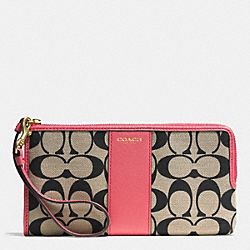 COACH L-ZIP WALLET IN PRINTED SIGNATURE - GD/LT KHA BLK/LOGANBERRY - F52125